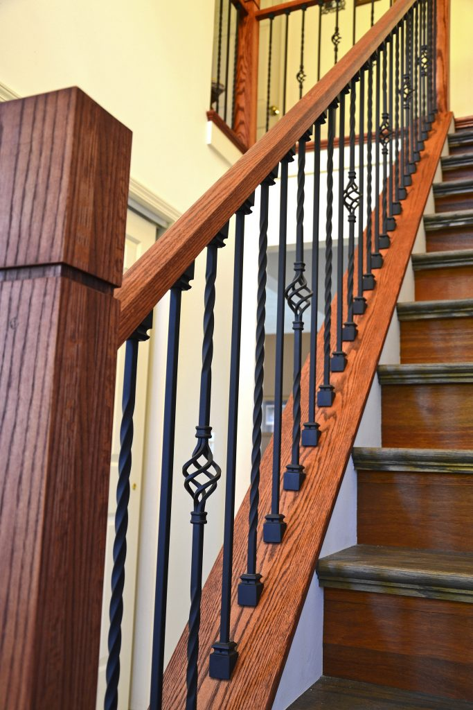 16.1.21 Long Twist Iron Baluster - StairSupplies™