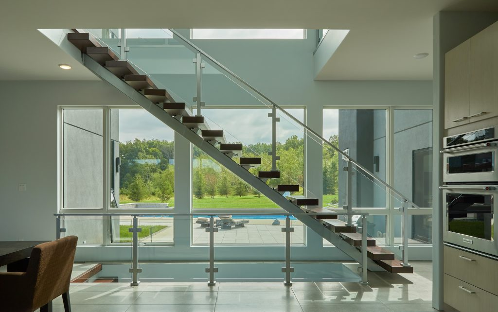 Sppedboat Silver Floating Stair and Glass Railing